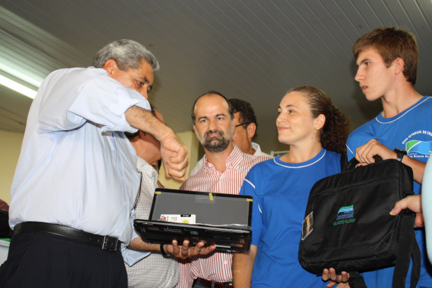 Governador André Puccinelli entrega kits escolares para alunos da rede estadual de Educação - Crédito: Foto: Hédio Fazan /PROGRESSO