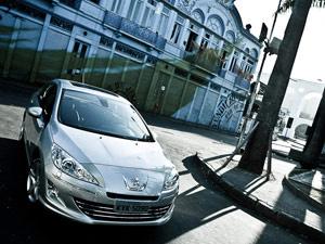 Peugeot 408 é produzido na Argentina  - Crédito: Foto: Divulgação