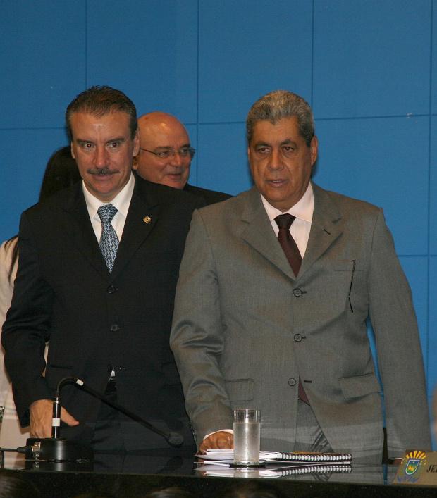 Governador André Puccinelli ontem durante solenidade na Assembleia Legislativa - Crédito: Foto : Chico Ribeiro