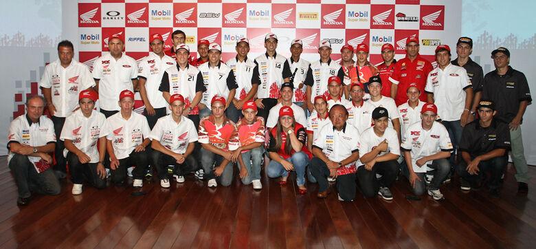 #Equipe Honda conta com 29 pilotos para temporada 2011 - Crédito: Crédito: Luiz Pires/VIPCOMM