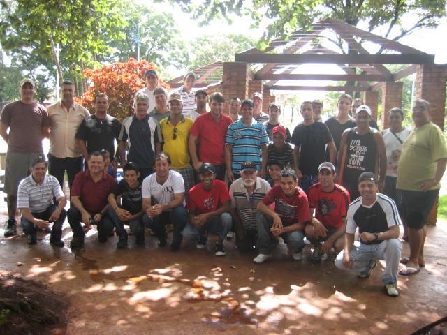 Radioperadores de PX durante encontro na Praça Antonio João - Crédito: Foto: Rafaela Bonardi