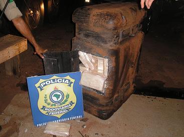 Cocaína estava escondida dentro do tanque de combustível - Crédito: Foto: Divulgação