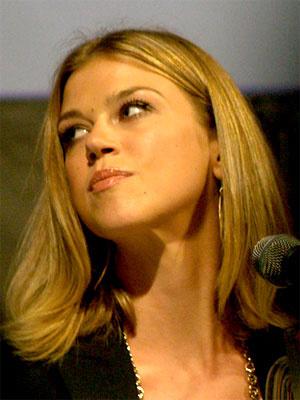 A atriz Adrianne Palick - Crédito: Foto: Natasha Baucas/Wikimedia