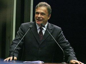 Senador recebeu três meses de aposentadoria  - Crédito: Foto: André Dusek / Agência Estado