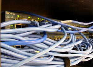 Rede com fio é mais estável que redes sem fio, mas muitos elementos podem determinar a velocidade da internet. - Crédito: Foto: Divulgação