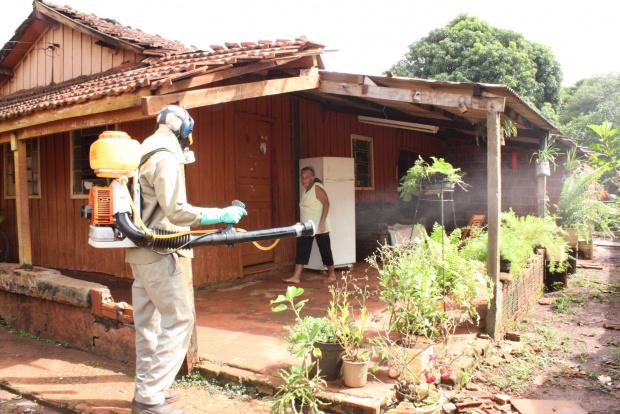 CCZ intensificou esta semana as ações de combate à dengue em Dourados - Crédito: Foto: Hédio Fazan/PROGRESSO