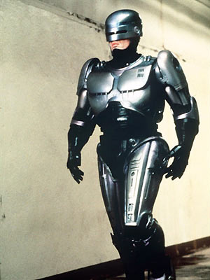 O ator Peter Weller em cena do filme \'RoboCop\', de 1987 - Crédito: Foto: AFP