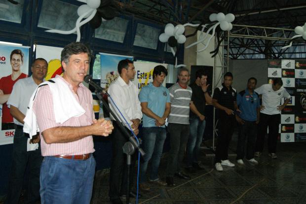 Prefeito Murilo durante a inauguração da Escola Oficial do Santos em Dourados - Crédito: Foto : Marcelo Humber-to/PROGRESSO