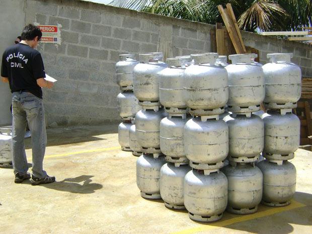 Botijões de gás apreendidos em operação policial - Crédito: Foto: Divulgação/Polícia Civil