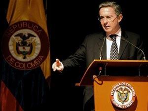 O ex-presidente colombianao Álvaro Uribe  - Crédito: Foto: Raul Arboleda/AFP