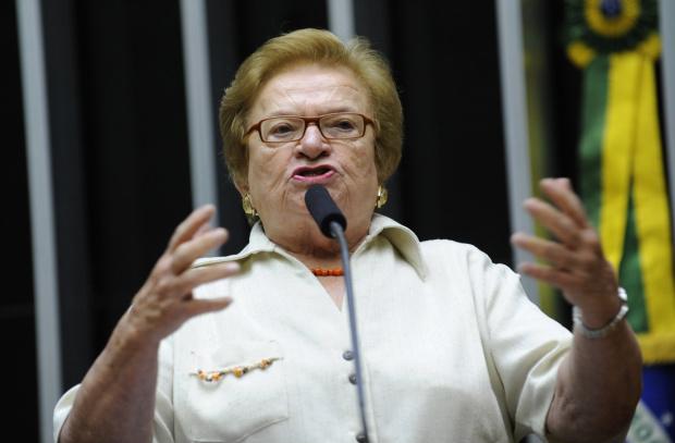 Erundina diz que parlamentares não podem contrariar o interesse público - Crédito: Foto : Diógenis Santos – Agência Câmara