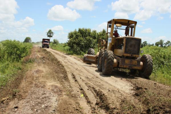 Os serviços de recuperação de estradas serão realizados em 11 municípios - Crédito: Foto : Rachid Waqued