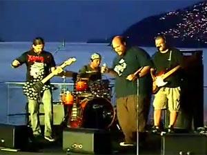 Ed Motta e Andreas Kisser em jam session para apresentar line-up do Sunset Rock in Rio - Crédito: Foto: G1