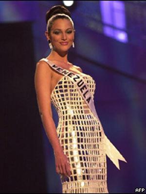 Eva Ekvall representando a Venezuela no Miss Universo em 2001 - Crédito: Foto: AFP