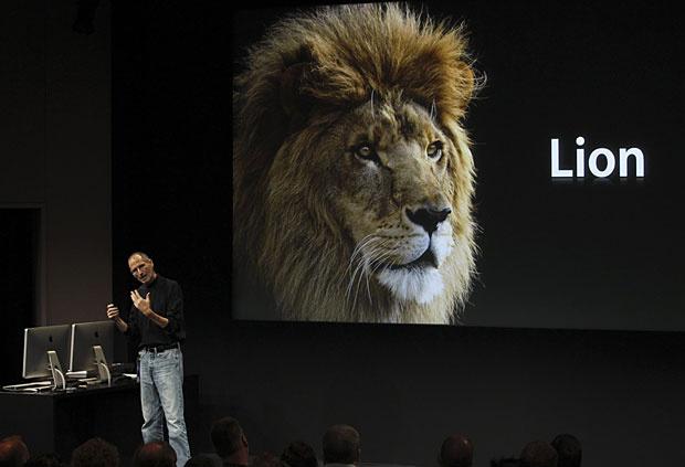 Steve Jobs durante a apresentação do Mac OS X Lion em 2010 - Crédito: Foto: Norbert von der Groeben/Reuters