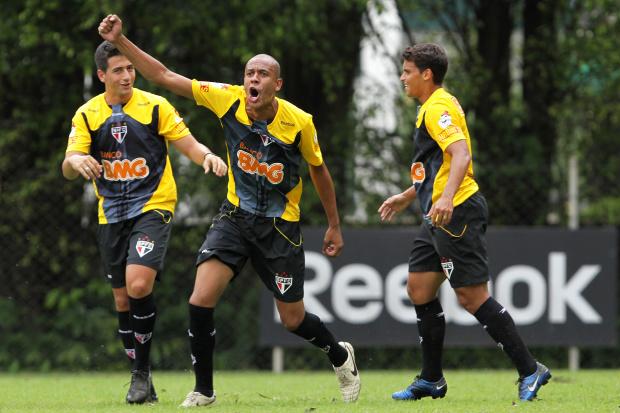 Alex Silva, zagueiro do São Paulo - Crédito: Crédito: Wagner Carmo/VIPCOMM