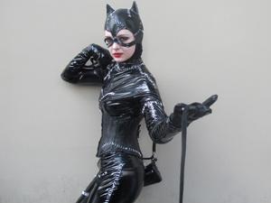 """Sósia da Mulher-Gato aposta na vitória de \""""Cisne negro\"""" - Crédito: Foto: Gustavo Miller/G1"""