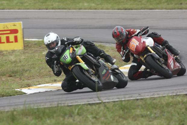 Autódromo Ayrton Senna em Londrina (PR) recebe primeira etapa do Racing Festival 2011 -