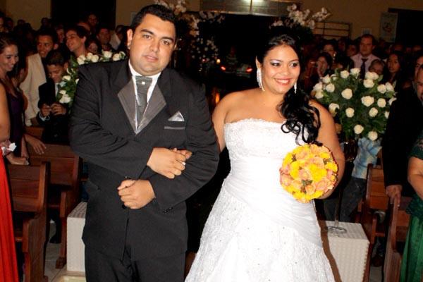 Os noivos Vinícius e Roberta -