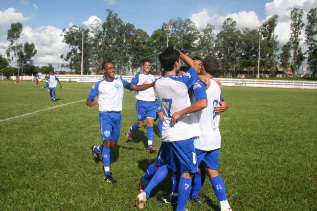 Ivinhema, em casa, aplica uma sonora goleada no Campo Grande - Crédito: Foto : Divulgação/ Geraldo Cavalcante Pinheiro