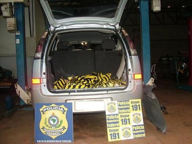 Droga estava dentro do veículo GM/Meriva que foi roubado - Crédito: Foto: Divulgação