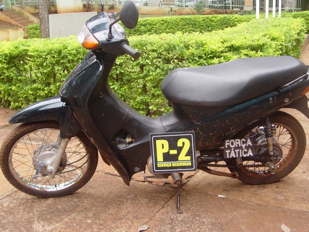 Motocicleta furtada recuperada pela PM2 de Dourados - Crédito: Foto: Sidnei L. Bronka