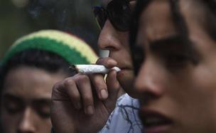 Uso de maconha entre adolescentes e jovens adultos pode levar a distúrbios psicóticos, segundo a publicação \'British Medical Journal\' - Crédito: Foto:AP Photo