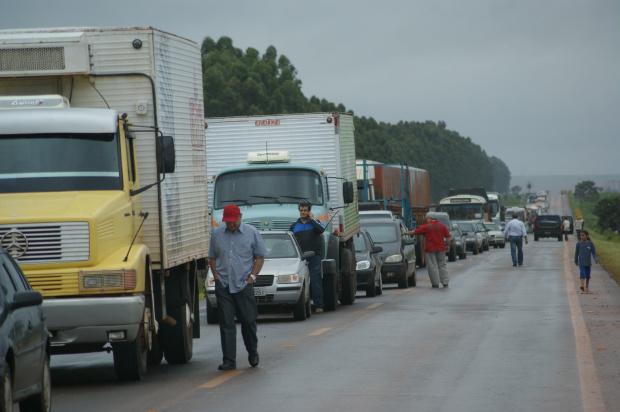 Grupo de sem terra fecharam a 463 em protesto ontem que durou quatro horas - Crédito: Foto: Hédio Fazan/PROGRESSO