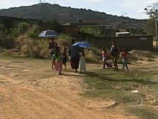 Crianças continuam sem transporte escolar gratuito na Grande BH -