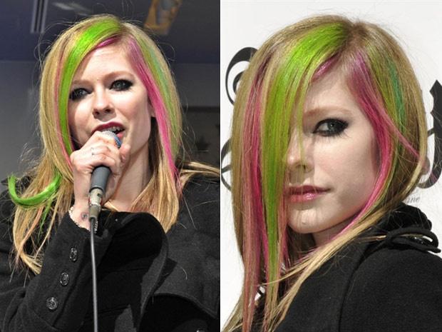 Com os cabelos pintados de verde e pink, a cantora canadense Avril Lavigne foi a uma loja da grife Gap, no distrito de Ginza, em Tóquio, para lançar uma linha de jeans que ajudou a criar para a marca. No país, a cantora de 26 anos também aproveita para di - Crédito: Foto: Kazuhiro Nogi/AFP
