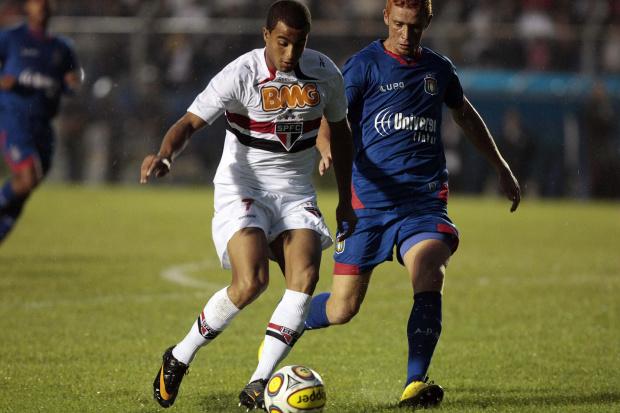 Dagoberto credita a Lucas a boa fase do Tricolor  -