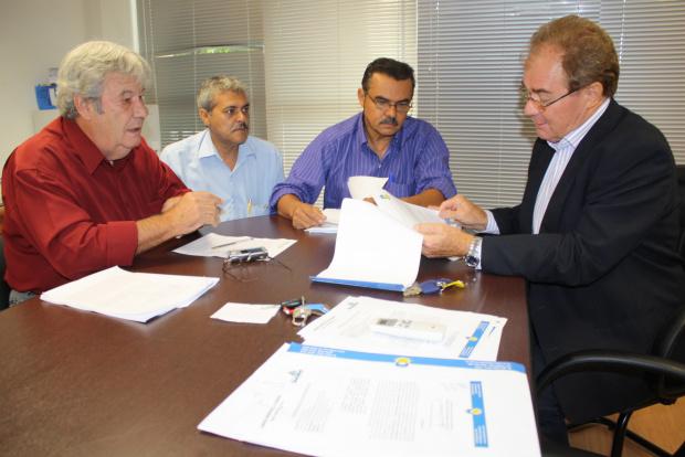 Vereadores entregaram ontem todos os relatórios com pedido de cassação - Crédito: Foto: Hédio Fazan/PROGRESSO
