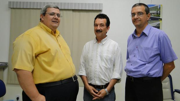 Marco Aurélio, Maurício Peralta e Eliezer branquinho, diretores HE. - Crédito: Foto: Delzim Machado