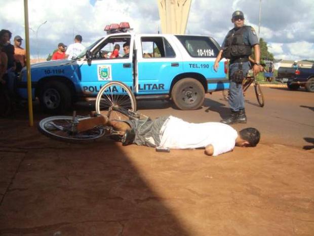 Em Dourados, ciclista foi assassinado em frente a Monumento dos Colonos - Crédito: Foto: Cido Costa