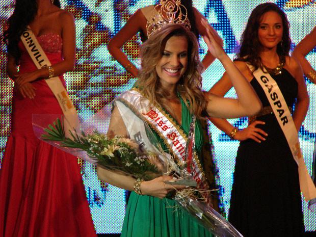Michelly Bohnen, 21 anos, foi eleita Miss Santa Catarina 2011 - Crédito: Foto: Jaime Batista da Silva/Agência RBS