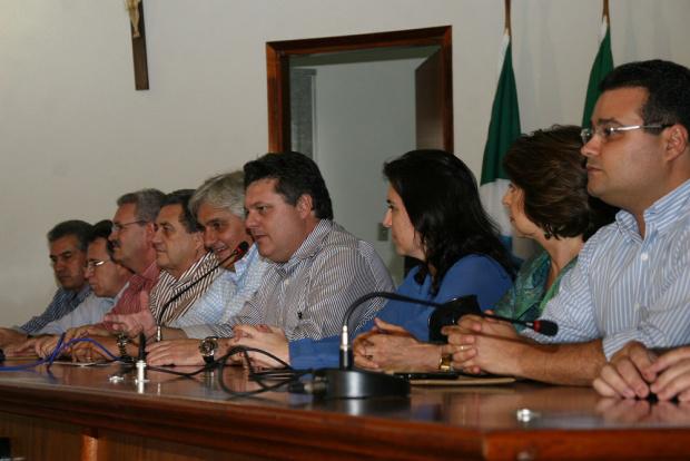 Políticos de MS conjugam esforços para socorrer os desabrigados pelas chuvas - Crédito: Foto : Divulgação