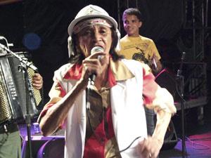 Chiquinha Gonzaga durante show realizado no Recife, em junho de 2009 - Crédito: Foto: Divulgação/Carlos Augusto/Prefeitura Municipal do Recife