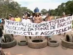 Índios protestam em rodovia em Mato Grosso  - Crédito: Foto: Reprodução/TV Centro América
