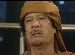 O líder líbio, Muamar Khadafi, durante uma entrevista à BBC - Crédito: Foto: Reprodução / BBC
