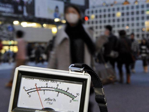 Detector marca nível de radiação maior do que o padrão em Tóquio - Crédito: Foto: Reuters