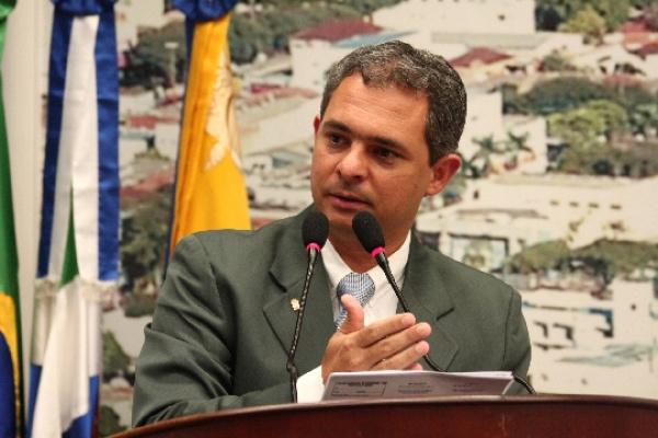 Vereador afastado Junior Teixeira poderá perder o mandato hoje durante sessão extraordinária na Câmara. Foto: div. -