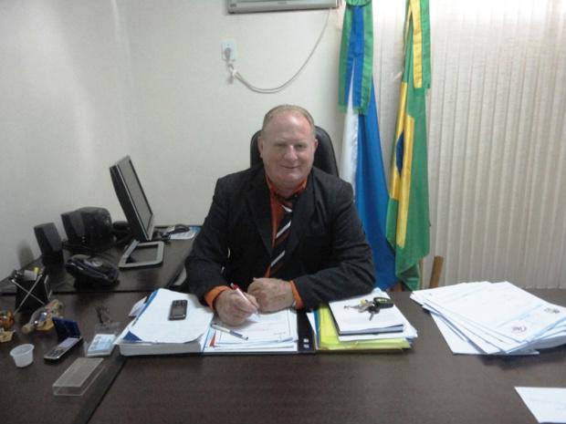 Prefeito Darcy Freire comemora os investimentos - Crédito: Foto : Divulgação