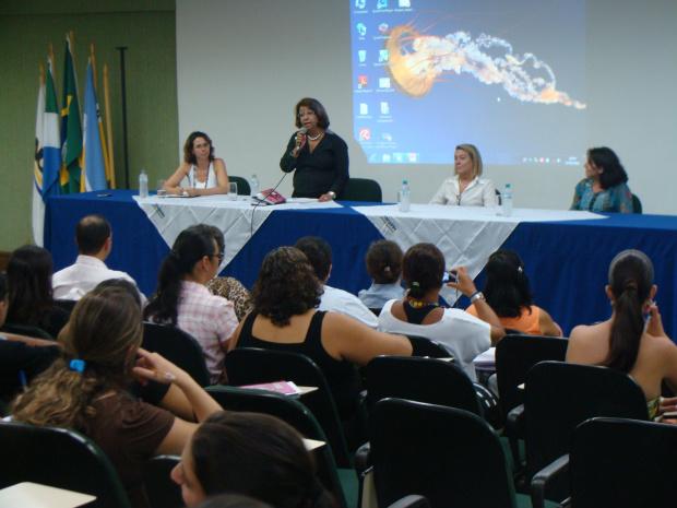 Professora Terezinha Bazé Lima realizou a abertura do evento -