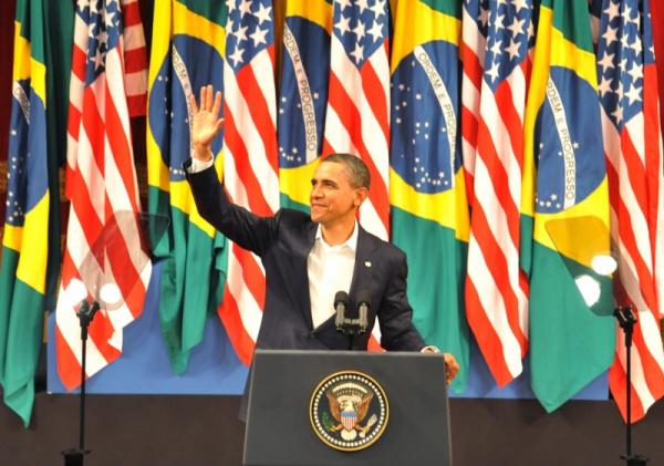 Presidente Barack Obama discursa no Theatro Municipal na Cinelândia  Foto: Agência Brasil -