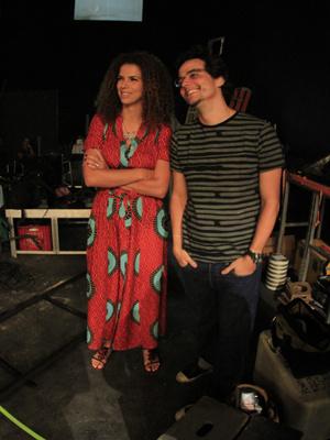 O ator e diretor Wagner Moura ao lado da cantora  Vanessa da Mata nesta segunda-feira - Crédito: Foto: Divulgação