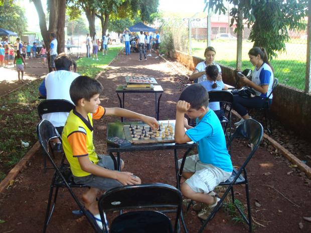 Tarde de brincadeiras atraiu a comunidade do Jardim dos Estados -