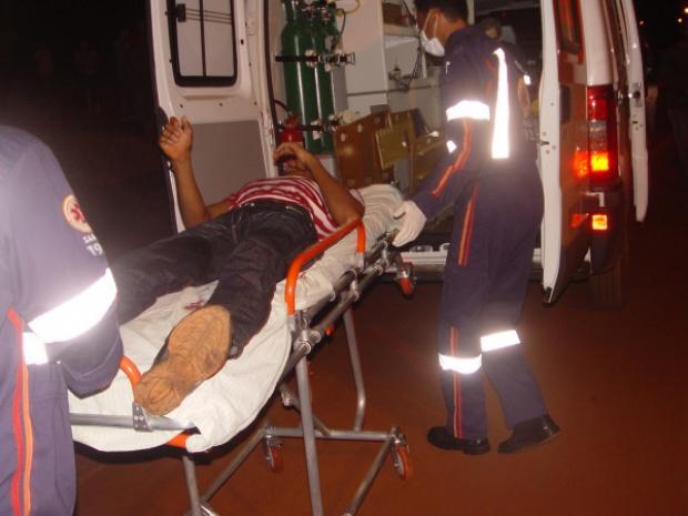 Jovem baleado na perna direita não corre risco de morte - Crédito: Foto: Sidnei L. Bronka