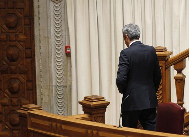 O premiê de Portugal, José Sócrates, deixa o Parlamento nesta quarta-feira - Crédito: Foto: AP