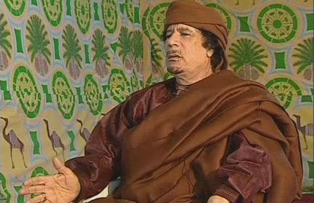 Kadhafi em Trípoli em 18 de março - Crédito: Foto: AP