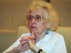 Olga Ulyanova, sobrinha de Lênin, em coletiva de  imprensa em 1999 - Crédito: Foto: Mikhail Metzel/AP